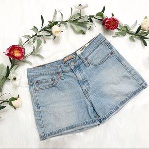 • Levi's • Vintage Shorts